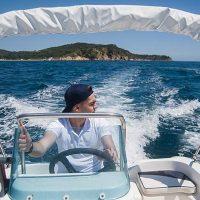 rent boat 02.jpg